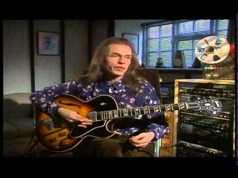 Steve Howe- The making of 'Yours is no disgrace'