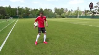 KFC Football 2015 / Уроки от Дмитрия Тарасова / Как правильно обрабатывать мяч