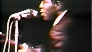 """Buddy Guy """"Stormy Monday"""" (4/7/68) With Jimi Hendrix Watching From The Crowd"""