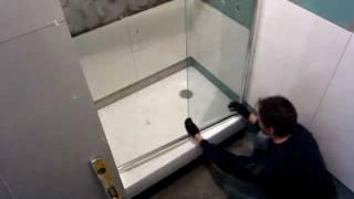 видео Особенности монтажа душевых кабин
