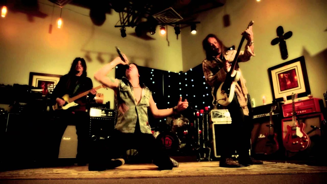 Red Dragon Cartel — Deceived (Official Video / Jake E. Lee / 2014)