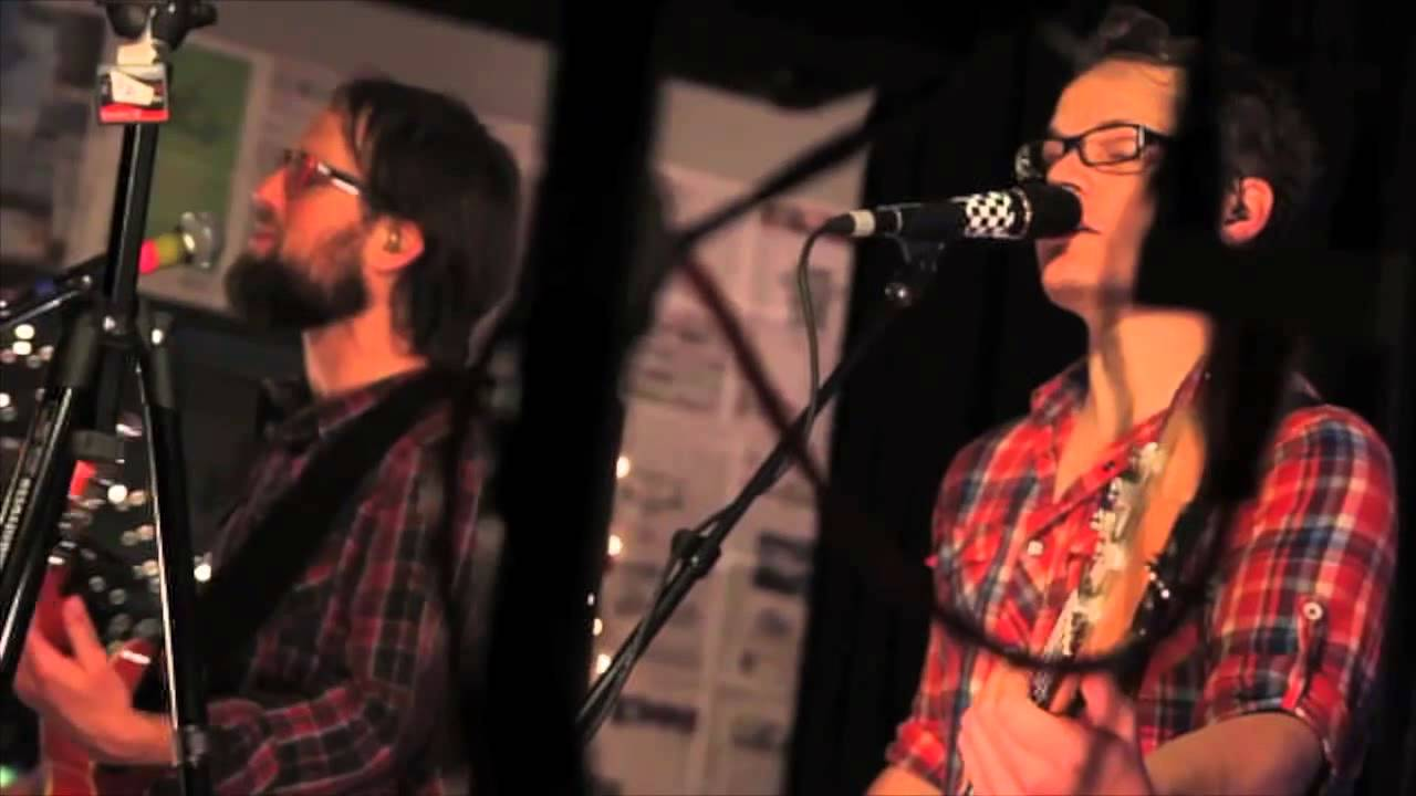 Enter The Haggis: Noseworthy And Piercy (LIVE) - YouTube