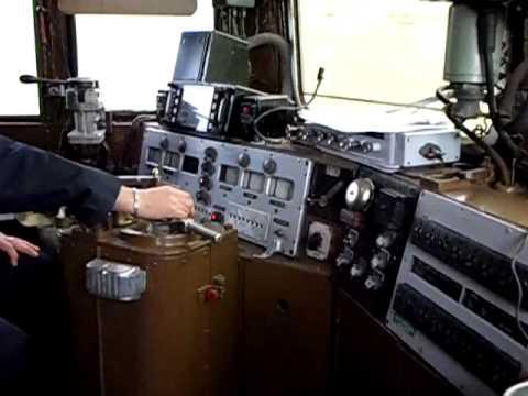In cabina della e646 028 youtube for Planimetrie della cabina di log
