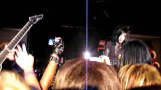 Andy Sticking up for his fans - BVB - Children Surrender@The Madhatter 7/26/10