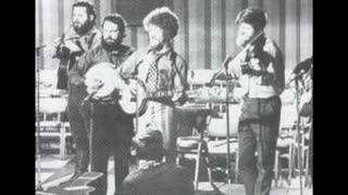 The Dubliners - Maids when you