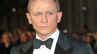 Daniel Craig Plays It Cool at