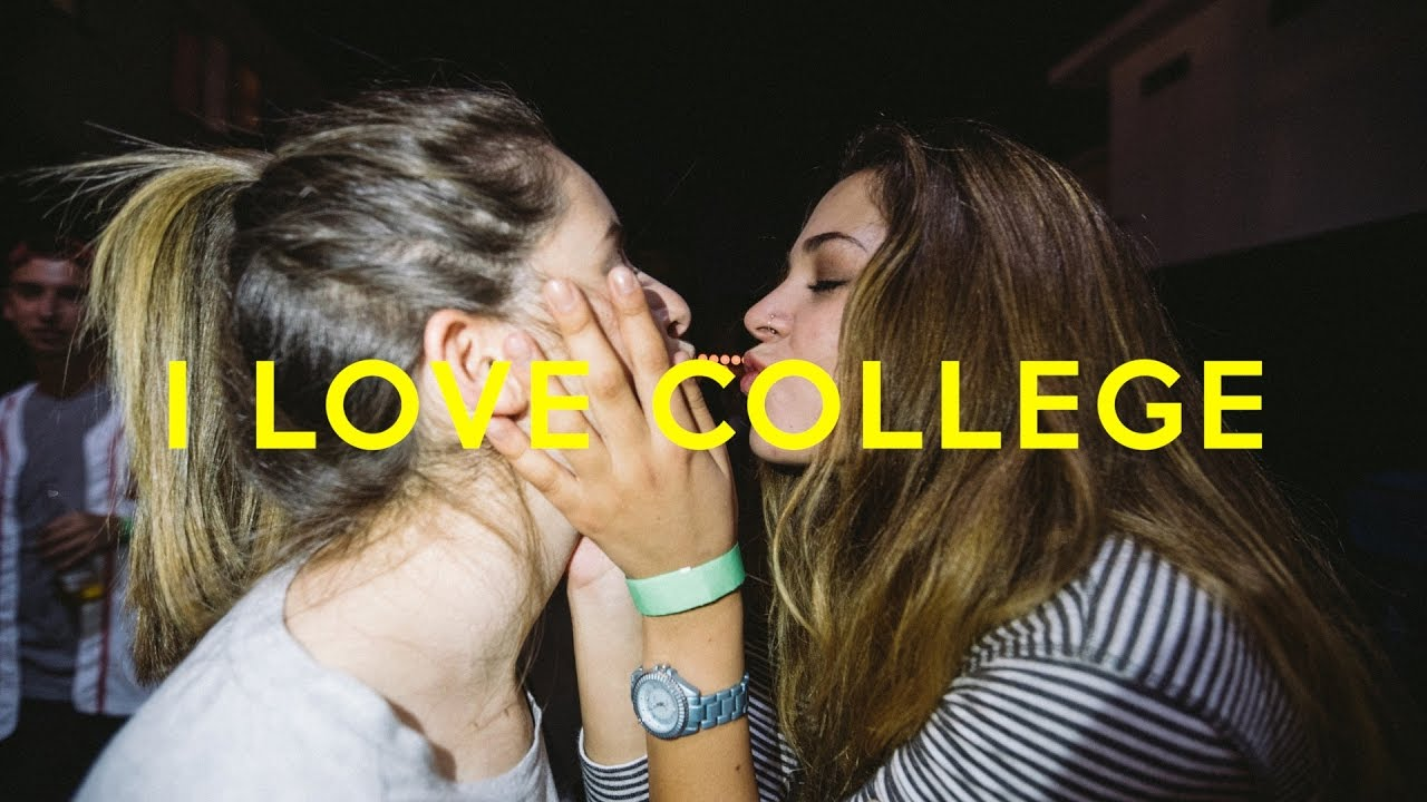 College Girls Kissing Party