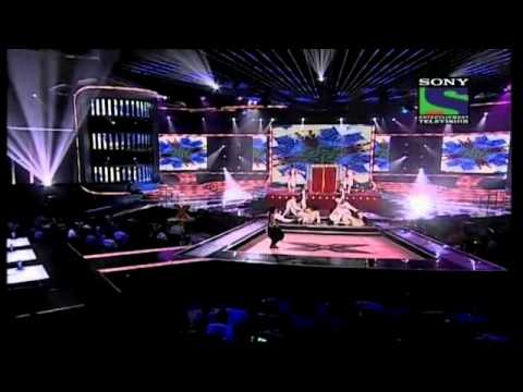 Sonu Nigam's fantastic act on Ek Chatur Naar- X Factor India - Episode 32 - 2nd Sep 2011