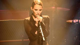 Anna Calvi - First we kiss @ Melkweg (3/8)