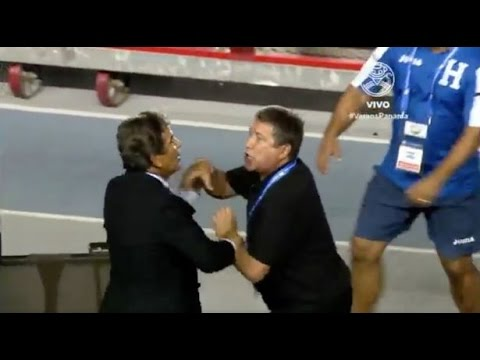Panama and Honduras managers fight after intense match   2017