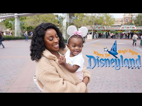 Jades 1st Birthday In Disneyland 🥳🎉🎂 thumbnail
