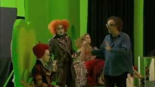 Джонни Депп превращается в Безумного Шляпника