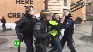 Gilets jaunes : vives tensions et scènes de violence sur les Champs-Elysées