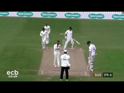 Leicestershire v Sussex CCC - Specsavers County Championship - Day Four