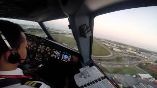 Landing at Miami International Airport (KMIA), Airbus A319-132 N694AV Avianca