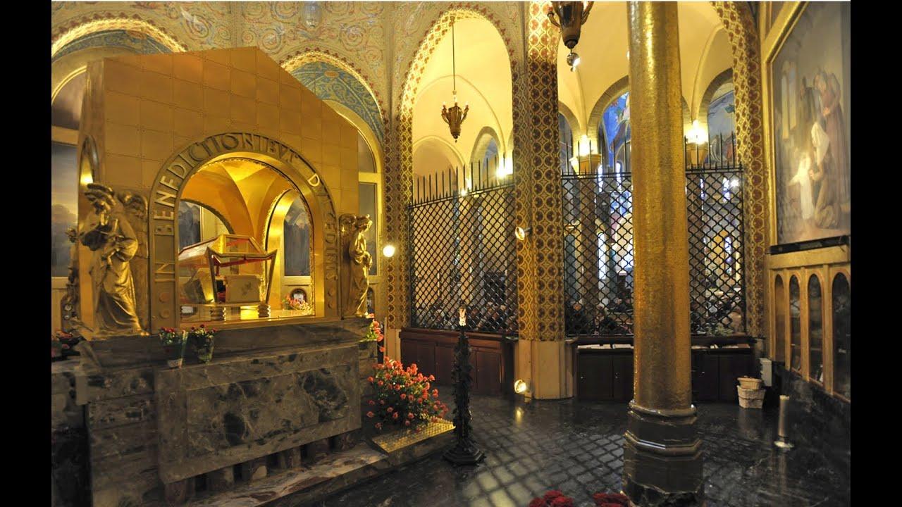 10 gioved di santa rita 2015 messa in basilica youtube for Basilica di santa rita da cascia