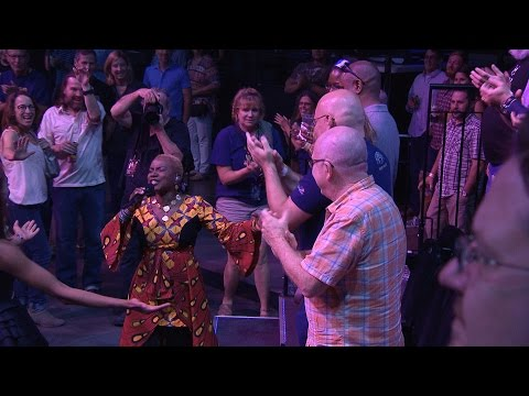"Angelique Kidjo on Austin City Limits ""Afrika"""