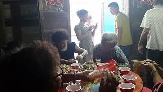 海南,  琼海市中原。 最後一餐在一座被拆毀的老房子裡 (1)