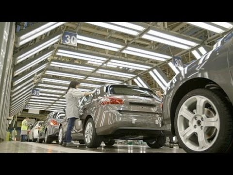 Peugeot-Citroen consider selling stake to China - economy