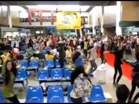 "121001 Swan Team @ สนามบินดอนเมือง ""นกแอร์"" (Flashmob)"