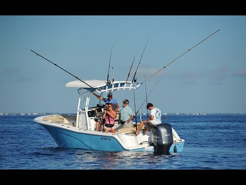 Florida Sportsman Best Boat - Head Offshore with a Single Powered Center Console