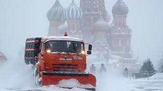 Грядут морозы и снегопады. Погоду лихордаит по всей России