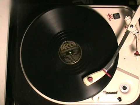 Vintage Greek Music - ''H Vasilo ke H Maro'' kalamatiano