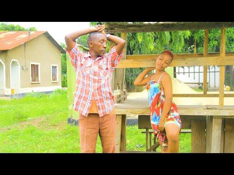 Download SENGA AKIWA NA WATOTO WAKE ANGALIA