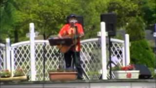 大はしたつ屋の名古屋弁の歌「金シャチフォーク」では、一番古いかつ一番マスコミでも流れた代表曲だね。河村市長の前でも歌ったよ。。。