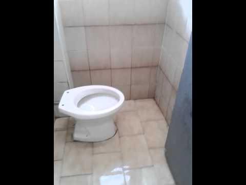 i bagni della scuola - YouTube