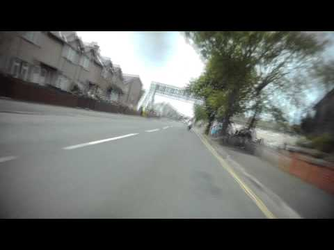 Michael Dunlop gives a lesson on overtaking at the TT