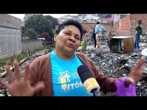 Vítimas de incêndios em favelas sofrem para receber ajuda