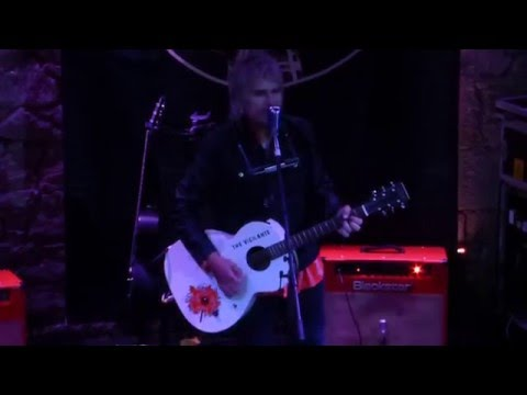 Mike Peters (The Alarm) : live in Edinburgh 18th May 2016