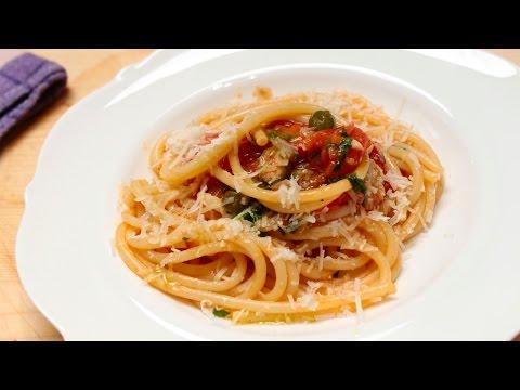Tomatensauce mit passierten Tomaten zubereiten, einfaches Rezept von Chefkoch Thomas Sixt