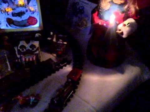 Xmas Anne Caroller & Train (night scene) & Joy To The World (theme)