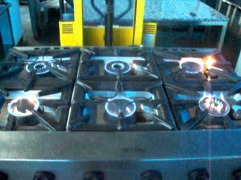 cucina 6 fuochi con forno zanussiavi