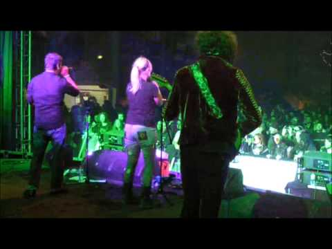 Karaoke Till Death @ Out&Loud Festival 2014  feat. Lisa (perfoming POISON by Alice Cooper)