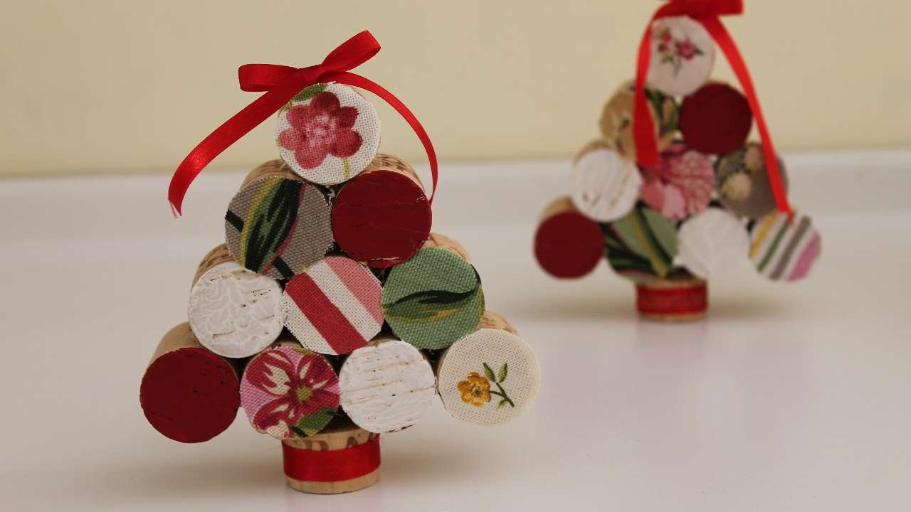 Wine Cork Christmas Crafts.How To Make A Christmas Tree With Corks Diy Crafts Tutorial Guidecentral