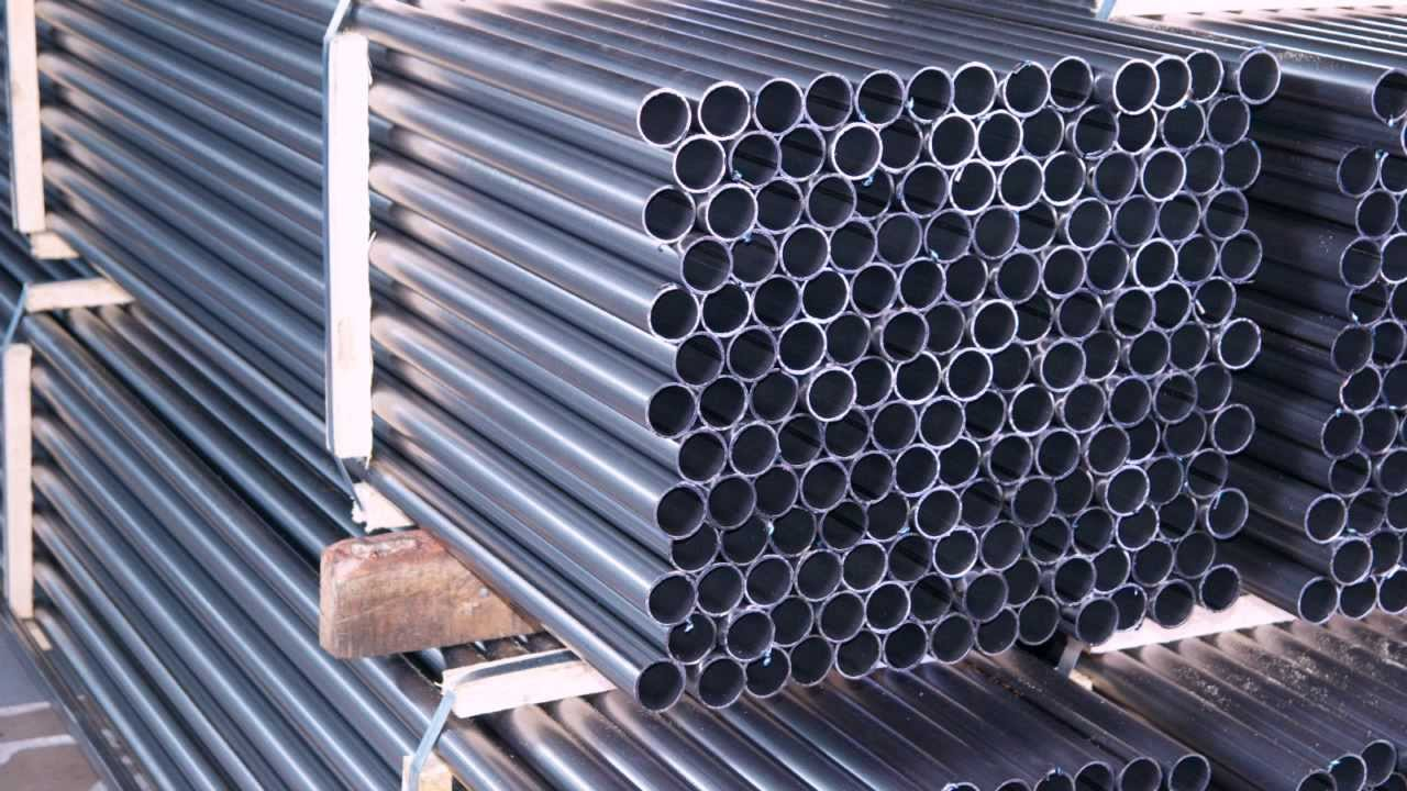Труба стальная электросварная (гост 10704-91), купить которую вы сможете у нас, отличается высоким качеством. Мы предлагаем выгодные условия для оптовых и розничных покупателей.