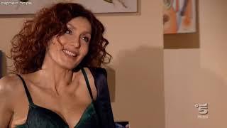 sara Zanier sexy