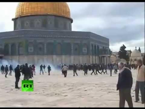 Israeli Soldiers Attack Friday Praying Muslims at Al-Aqsa Mosque - Jerusalem