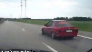 Дрифт на дороге!  чувак отжег,  смешное видео, парень жжет на машине, мега прикол(, 2016-04-27T15:18:26.000Z)