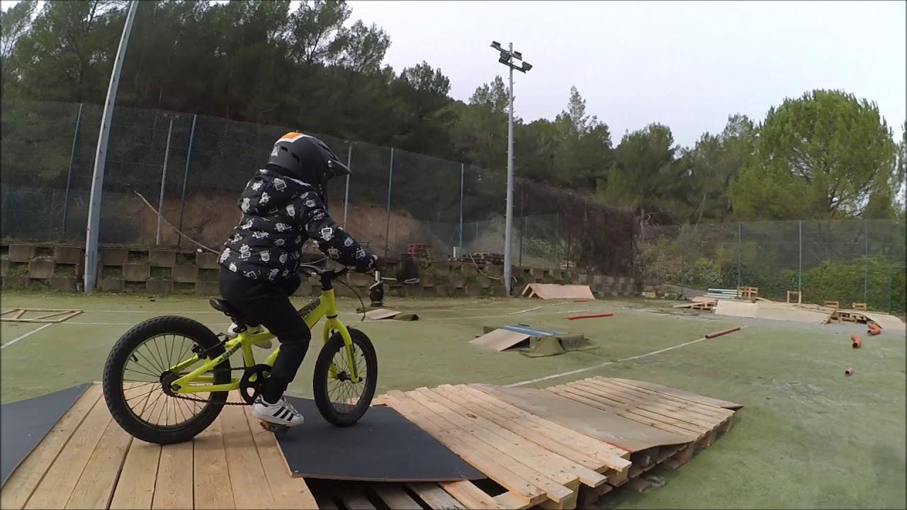 """evoKID bikepark // commencal ramones 16"""""""