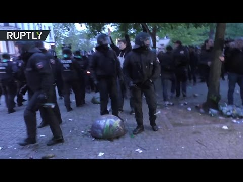 Leftist & right-wing protesters clash with German police, at least 40 arrested on May Day