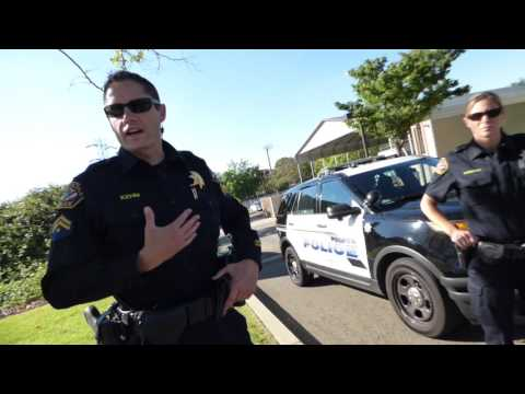 "Folsom Police Dept. COP "" I DONT UNDERSTAND WHAT UR DOING"" 1st Amend Audit"