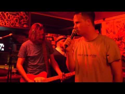 TOTAL VICTORY : Bar'Hic, Rennes : 29/10/2014 (Kerviniou Recordz)