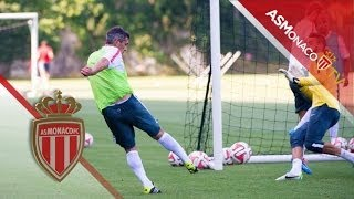 INSIDE ▶Great Goals and Saves at the training session !