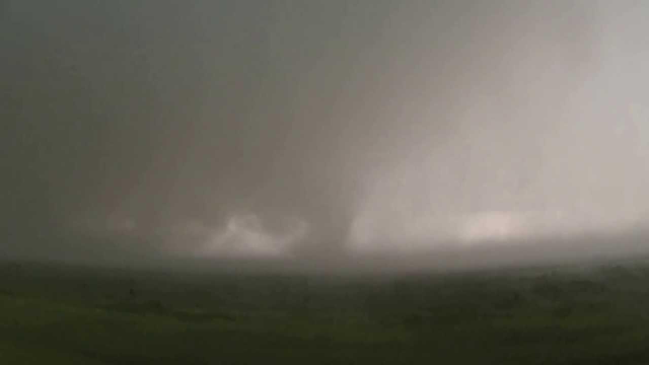 May 31, 2013 EF5 El Reno Tornado Showing Multiple Funnels ...