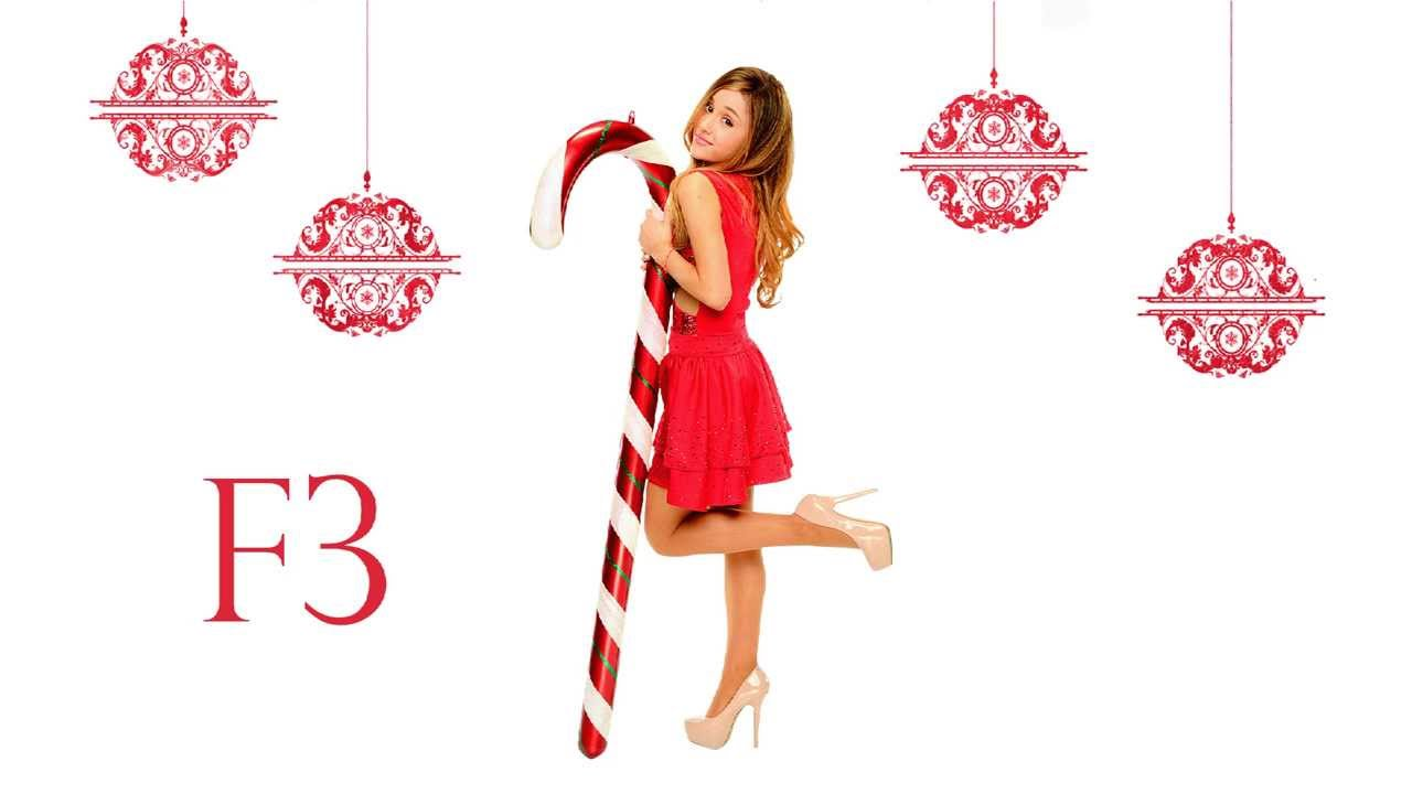 ariana grande christmas kisses vocal range f3 eb6 youtube
