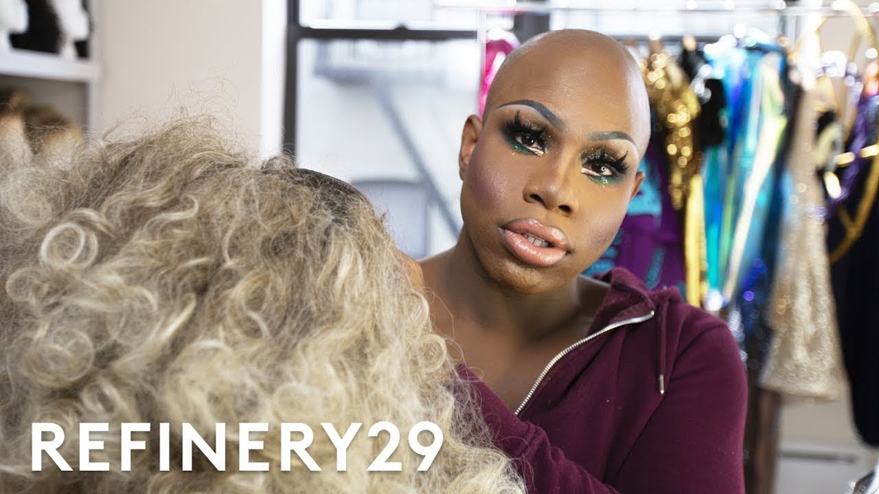 Exceptionnel This Drag Queenu0027s $15,000 Wig Closet Tour | Hair Me Out | Refinery29